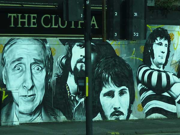 mural close to mono in glasgow, scotland on october 4, 2016