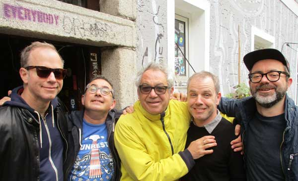 mike jaworski + sohrab habibion + mike watt + james canty + darko kujundzic (l to r) at kapu in linz, austria on october 21, 2016