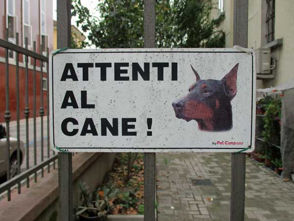 sign on a gate in mestre, italy on october 17, 2016