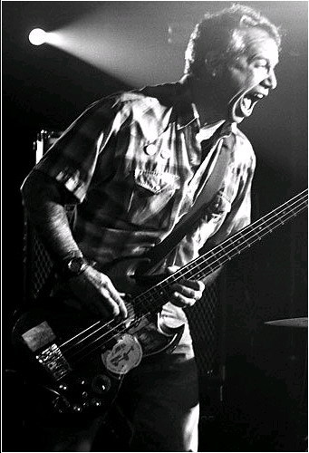 mike watt on bass in 2004