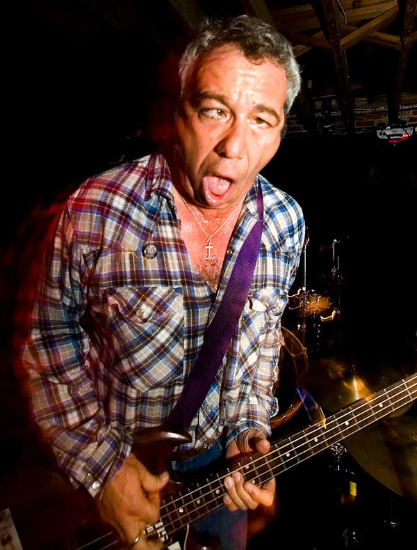 mike watt at winston's in ocean beach, ca on january 8, 2008 by chad kelco