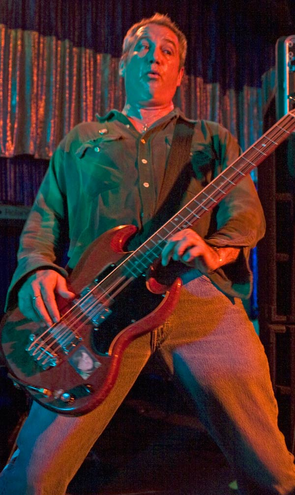 mike watt at spaceland in sliver lake, ca on april 6, 2009 by carl johnson