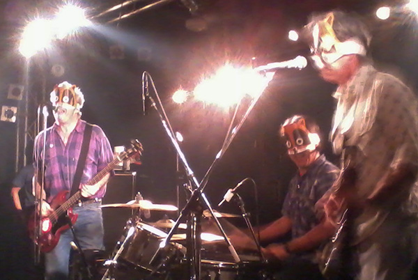 mike watt + the missingmen at salonkitty in matsuyama, japan on halloween 2010