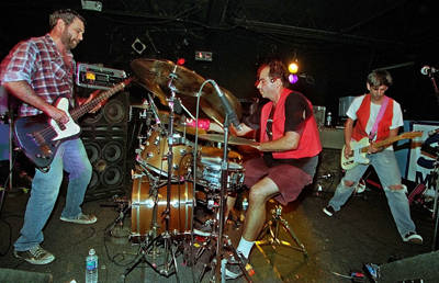 shot of mike watt and the pair of pliers in 1999