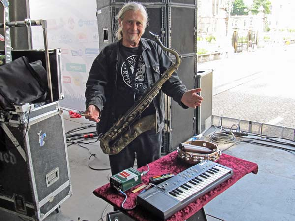 steve mackay and his 'station' at soundcheck in brussels, belgium on august 12, 2012