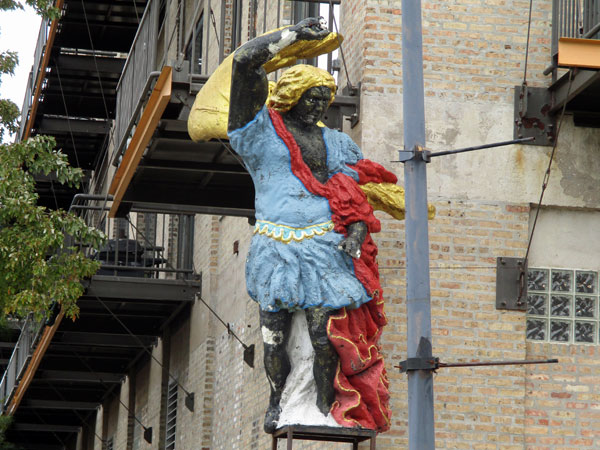 trippy statue near 'chicago south loop hotel' in chicago, il on october 23, 2015