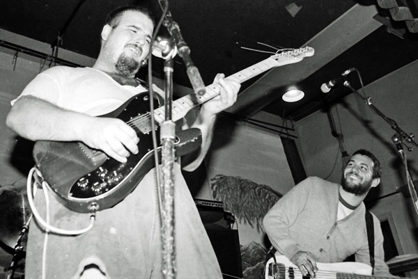 d boon + mike watt in madison, wi on may 2, 1985